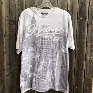 Other - T-shirt with Brooklyn landscape